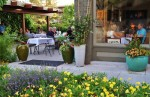Em's offers a quaint beautiful patio with plenty of shade from their canopy curtains. Their food is excellent and every dish is given the great care you would expect from a much more expensive restaurant.