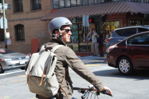 Bike commuters & public transportation mesh together in San Francisco - Image 2