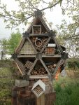 "<h1 itemprop=""name"">Plastic Homes for Mason Bees</h1>"