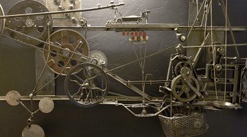 """<h1 itemprop=""""Utah Artists"""">Turning Bike Chains and Discarded Engines Into Art</h1>"""