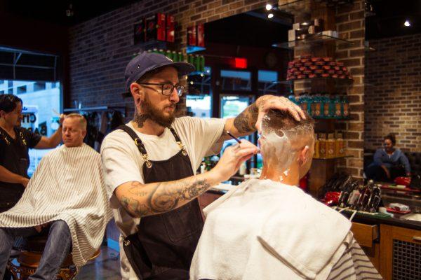 rob-potter-cuts-antony-gonzalezs-hair