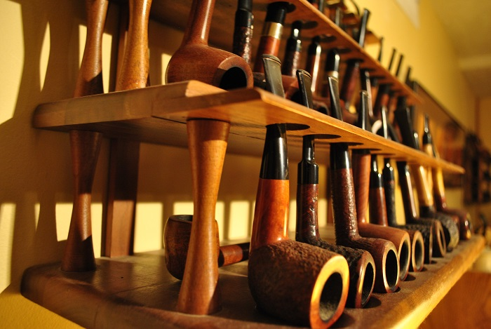 Arley Curtz: Pipe Making and Memory Collecting