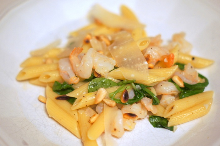 Light Pasta with Shrimp and Arugula Recipe