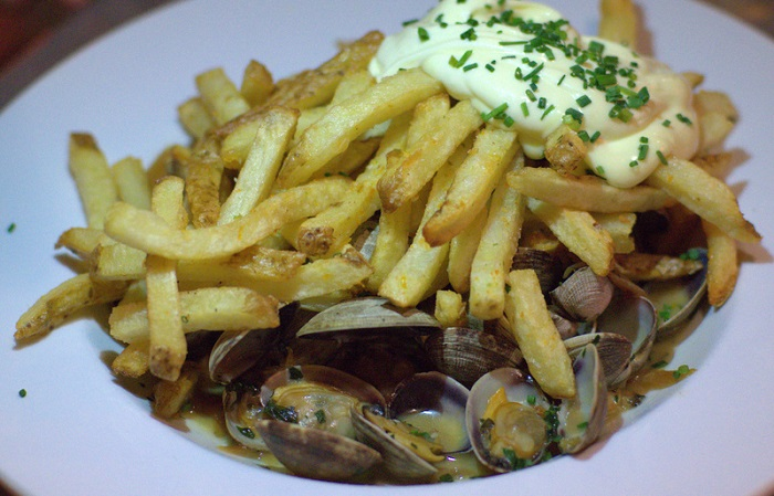 Avenues Bistro: New Owners; Timeless Appeal