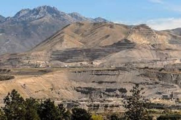 the Polluting Inland Port : gravel mining in Utah