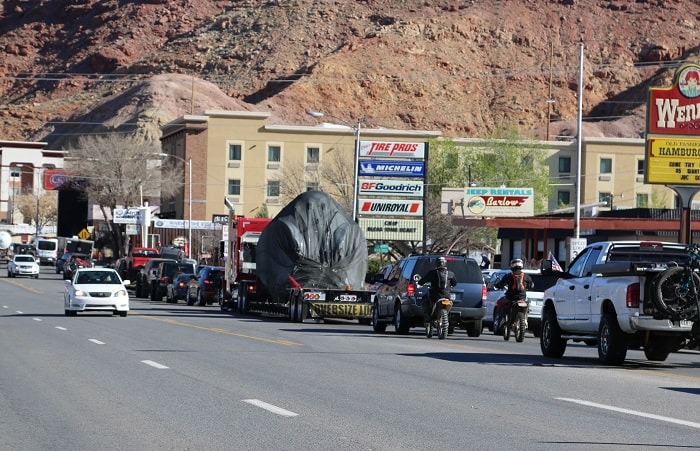 Moab Main St in traffic