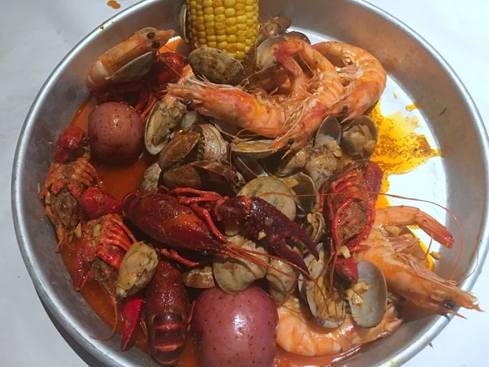 Head-on Shrimp, Crawfish & Clams